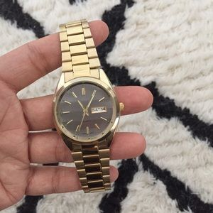 Gold UO Retro Watch